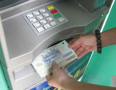 kiểm tra số dư tài khoản qua internetbankin, atm, chi nhánh