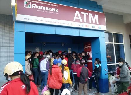 Ngân hàng nào phát hành thẻ ATM nhiều nhất?