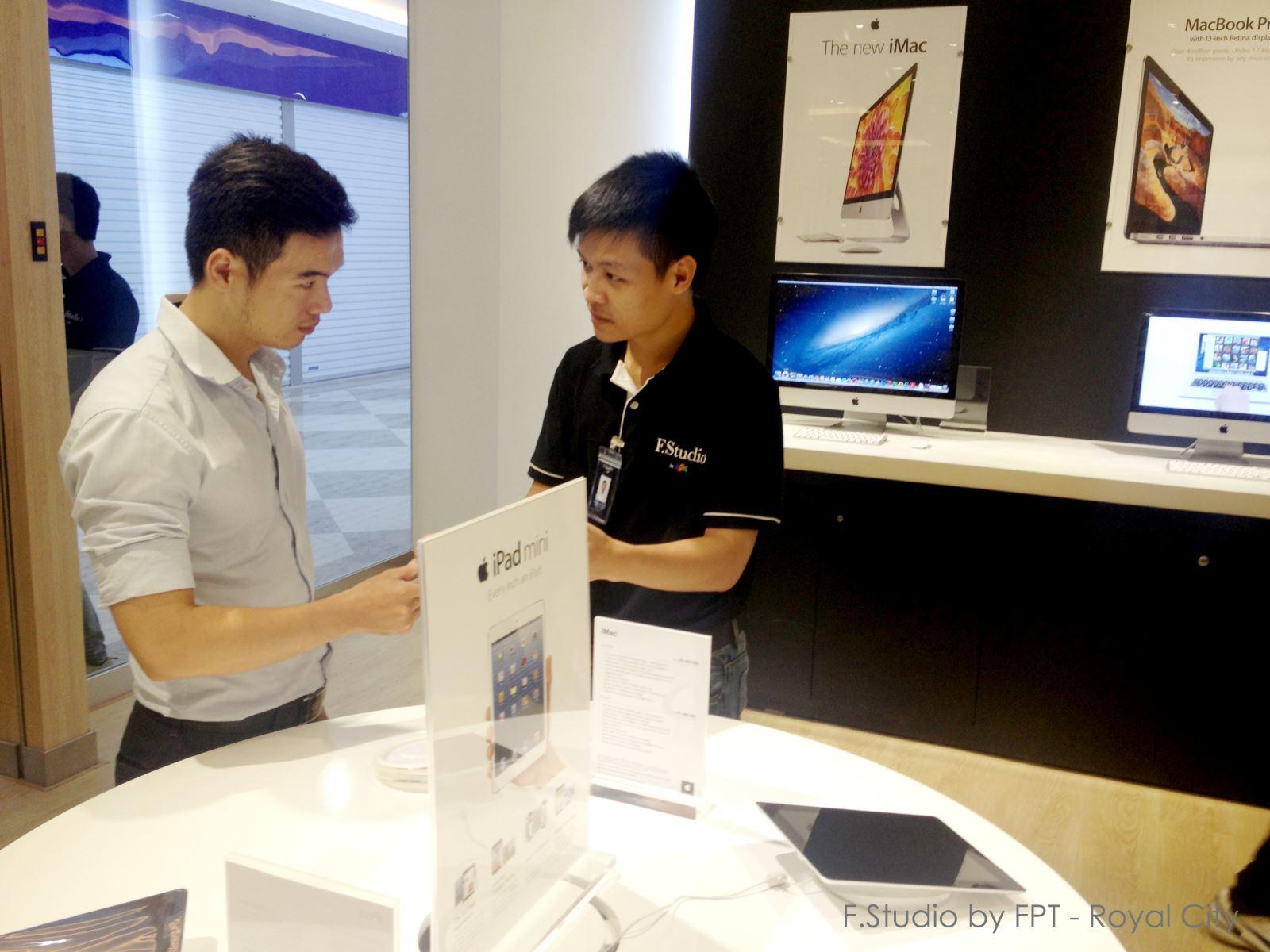 Khai trương cửa hàng Apple thứ bảy tại Royal City – Khu vui chơi giải trí ngầm lớn nhất Đông Nam Á