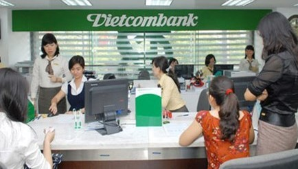 the-tin-dung-Vietcombank-jCB-uu-dai-thang-8-9