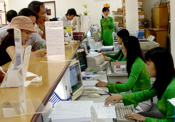 han-muc-su-dung-the-ghi-no-vietcombank-connect-24