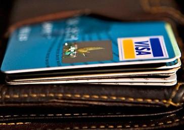làm thẻ tín dụng ngân hàng nào tốt nhất