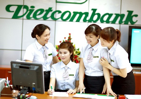 Phí làm thẻ Visa Vietcombank Platinum như thế nào?